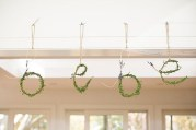 Charming Winter Themed Baby Shower Decoration Ideas26