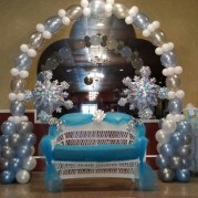 Charming Winter Themed Baby Shower Decoration Ideas27