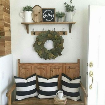 Creative Farmhouse Entryway Decorating Ideas35