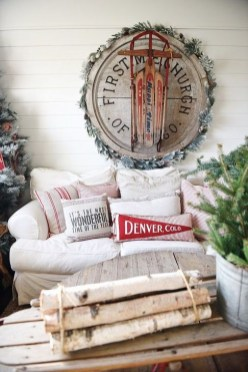 Incredible Farmhouse Christmas Decor And Design Ideas On A Budget09