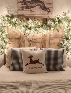 Incredible Farmhouse Christmas Decor And Design Ideas On A Budget32