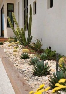Pretty Front Yard Rock Garden And Landscaping Ideas24