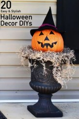 Unique Crafty Diy Outdoor Halloween Decorating Ideas02