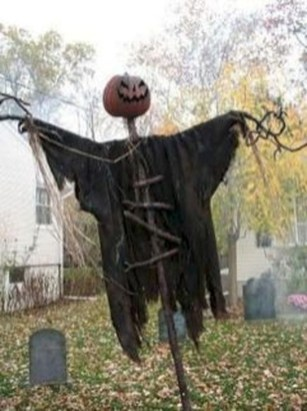 Unique Crafty Diy Outdoor Halloween Decorating Ideas30