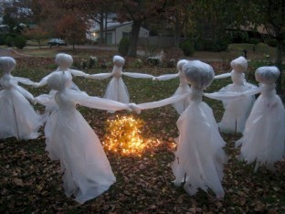 Unique Crafty Diy Outdoor Halloween Decorating Ideas42
