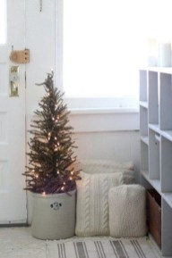 Amazing Christmas Decorating Ideas For Small Spaces21