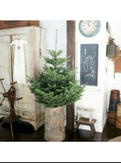 Amazing Christmas Decorating Ideas For Small Spaces37