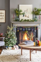 Comfy Christmas Living Room Decor Ideas12