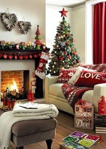 Comfy Christmas Living Room Decor Ideas32