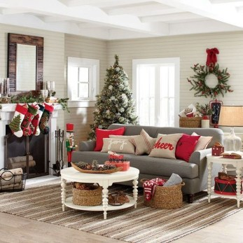 Comfy Christmas Living Room Decor Ideas43