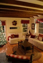 Comfy Christmas Living Room Decoration Ideas03