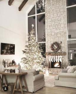 Comfy Christmas Living Room Decoration Ideas24