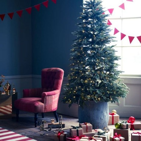 Comfy Christmas Living Room Decoration Ideas42