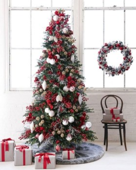 Gorgeous Rustic Christmas Tree Decoration Ideas33