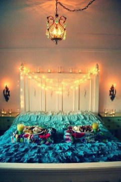 Magnificient Christmas Lighting Bedroom Ideas28