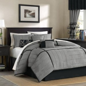 Stunning White Black Bedroom Decoration Ideas For Romantic Couples09