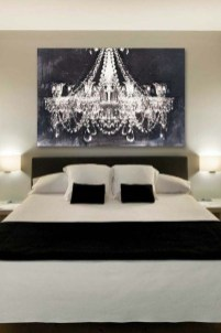 Stunning White Black Bedroom Decoration Ideas For Romantic Couples13