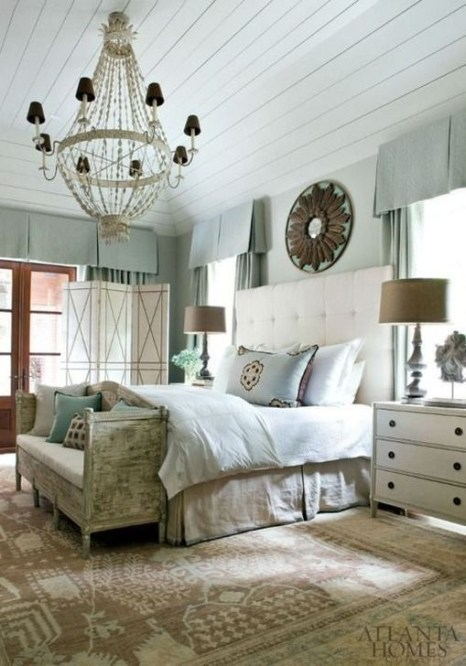 Stunning White Black Bedroom Decoration Ideas For Romantic Couples23