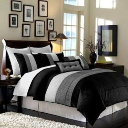 Stunning White Black Bedroom Decoration Ideas For Romantic Couples30