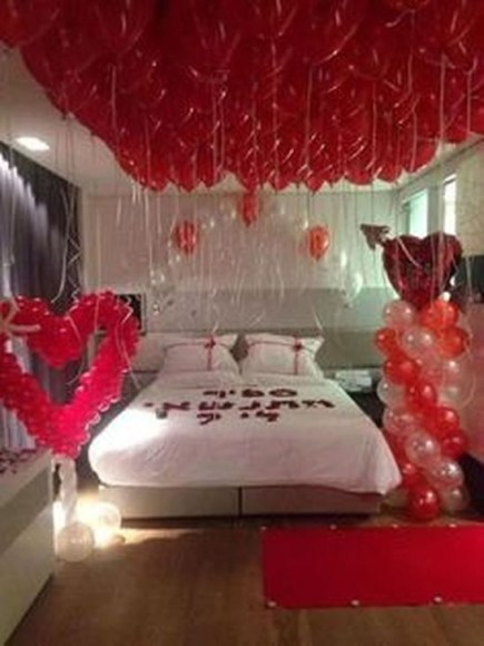 Cute Valentine Bedroom Decor Ideas For Couples13