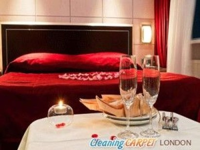 Cute Valentine Bedroom Decor Ideas For Couples27