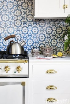 Fascinating Kitchen Backsplash Decoration Ideas For Your Kitchen24