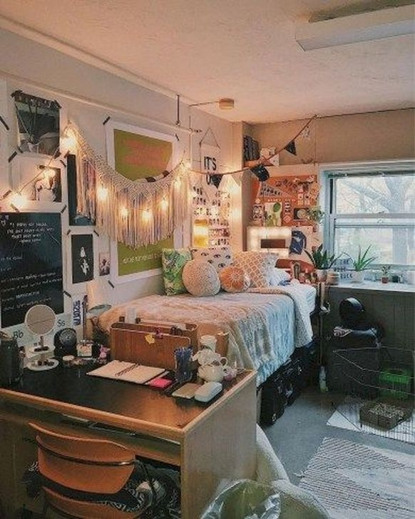 Lovely Dorm Room Organization Ideas On A Budget01