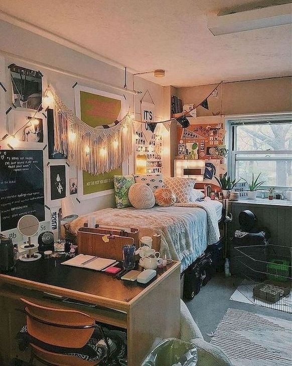 Lovely Dorm Room Organization Ideas On A Budget23