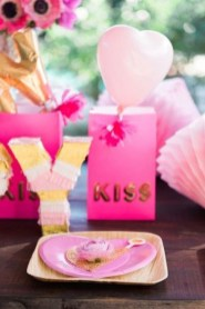 Stunning Table Decoration Ideas For Valentine'S Day09