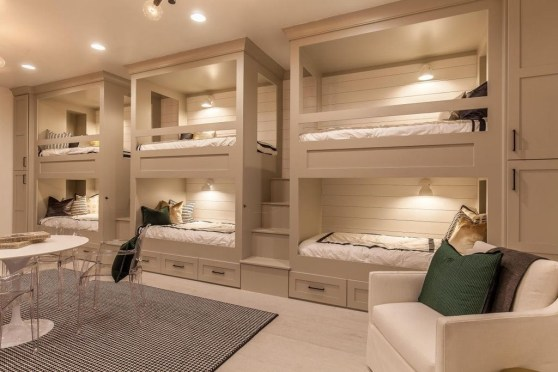 Affordable Lake House Bedroom Decorating Ideas02