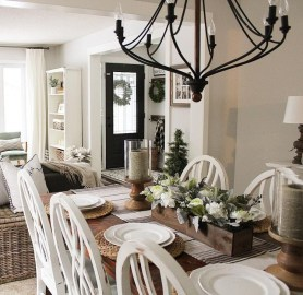 Captivating Farmhouse Dining Room Table Decorating Ideas09