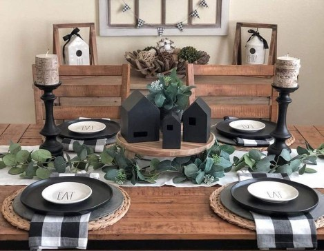 Captivating Farmhouse Dining Room Table Decorating Ideas25