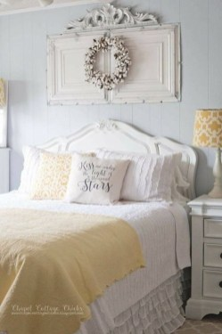 Comfy Urban Farmhouse Master Bedroom Design Ideas21