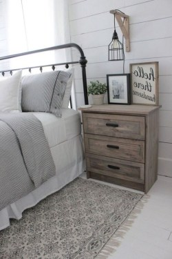 Comfy Urban Farmhouse Master Bedroom Design Ideas24