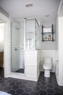 Cute Farmhouse Bathroom Remodel Ideas On A Budget36