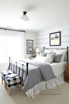 Inspiring Farmhouse Style Master Bedroom Decoration Ideas12
