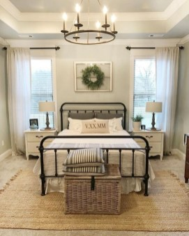 Inspiring Farmhouse Style Master Bedroom Decoration Ideas37