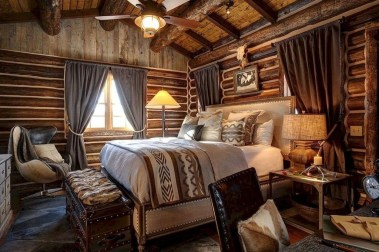 Inspiring Farmhouse Style Master Bedroom Decoration Ideas42