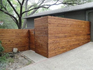 Stylish Wooden Privacy Fence Patio Backyard Landscaping Ideas28
