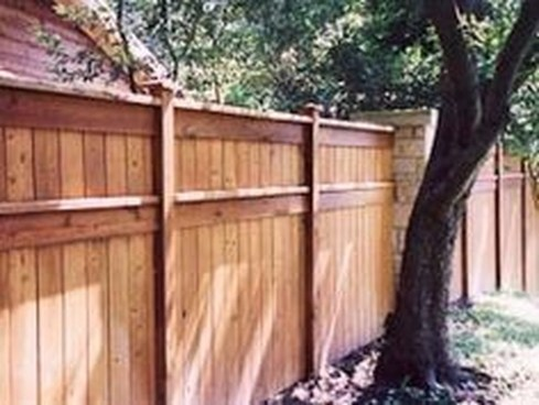 Stylish Wooden Privacy Fence Patio Backyard Landscaping Ideas35