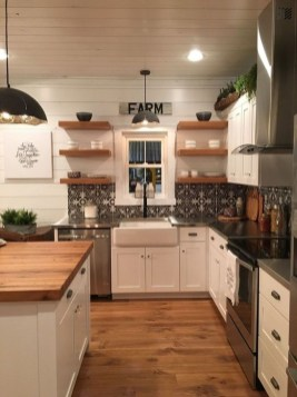 Amazing Farmhouse Kitchen Design Ideas08