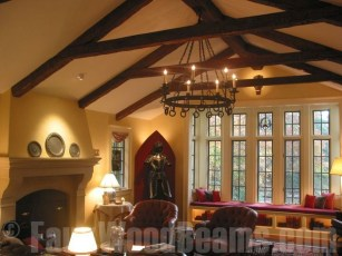 Amazing Living Rooms Design Ideas With Exposed Wooden Beams 25