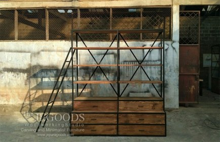 Beautiful Industrial Furniture Design Ideas With Wood 32