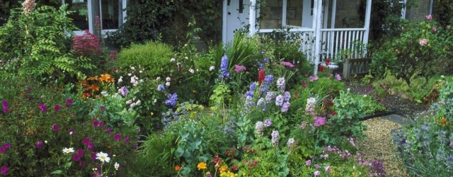 Enchanting Front Of House Landscaping Ideas26