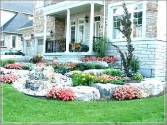 Enchanting Front Of House Landscaping Ideas38