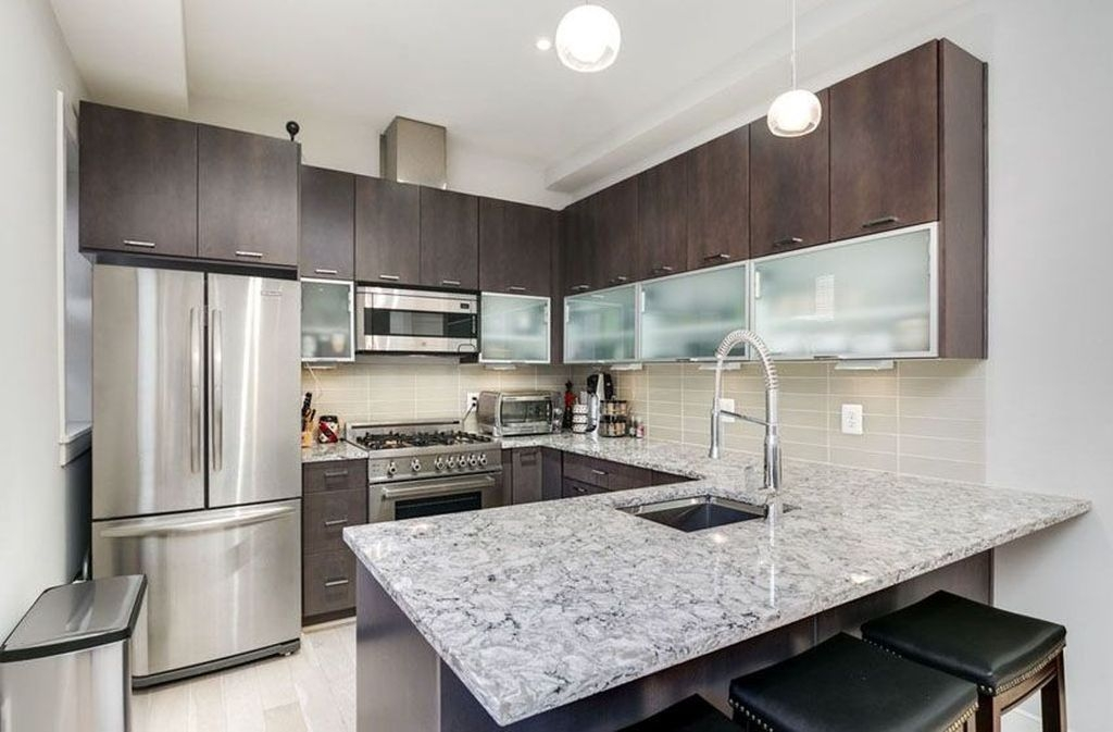 Magnficient Small Kitchens Ideas With Dark Cabinets11