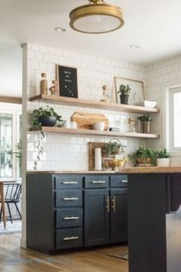 Magnficient Small Kitchens Ideas With Dark Cabinets20