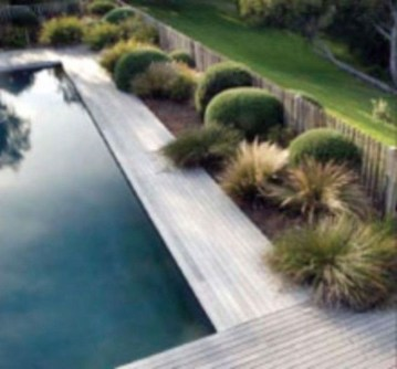 Wonderful Grass Landscaping Ideas For Home Yard10