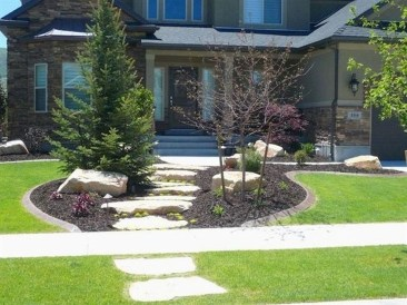 Wonderful Grass Landscaping Ideas For Home Yard29