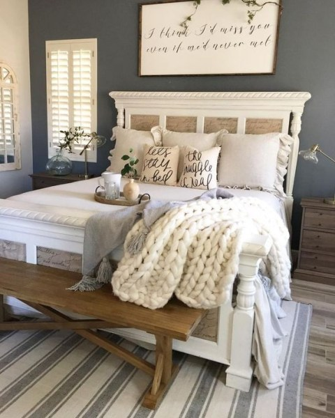 Awesome Bedroom Decor Ideas With Farmhouse Style 03
